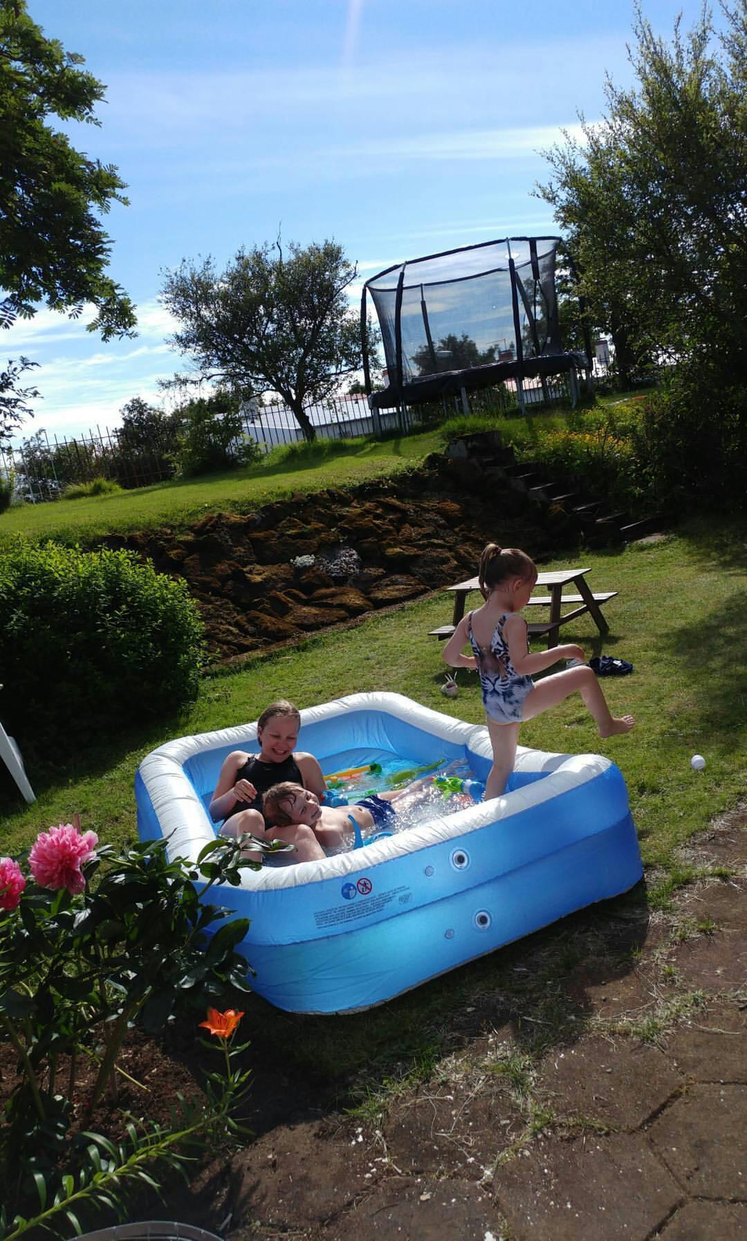 Garden pool 🌊