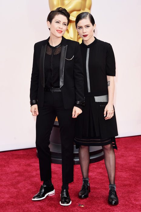 Tegan Quin (L) and Sara Quin