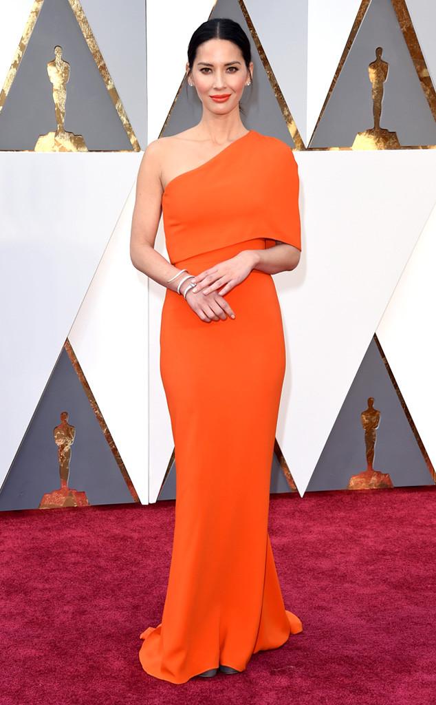 rs_634x1024-160228160619-634-Academy-Awards-Oscars-olivia-munn.cm.228