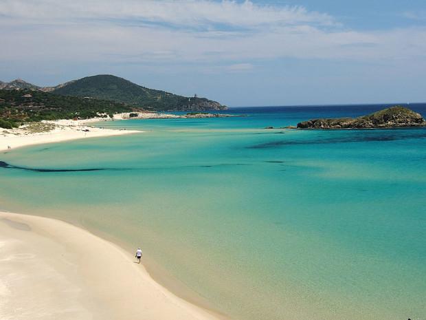 800px-Tuaredda_beach,_Sardinia,_Italy