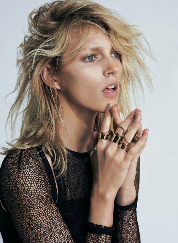 S-Moda-April-2013-Anja-Rubik-by-Eric-Guillemain-Balenciaga-rings