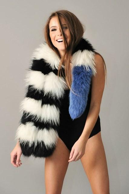 Charlotte-Simone-2-Vogue-6Nov13-pr_b_426x639