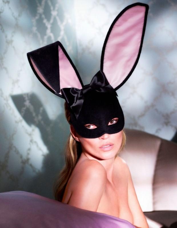 Kate-Moss-by-Mert-Alas-and-Marcus-Piggott-for-Playboy-2875566-793x1024