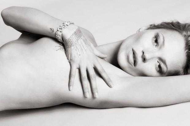 Kate-Moss-by-Mert-Alas-and-Marcus-Piggott-for-Playboy-2875567-1024x681