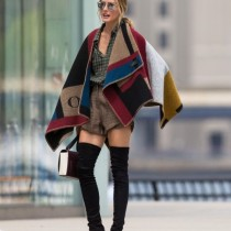 MUST HAVE: BURBERRY BLANKET