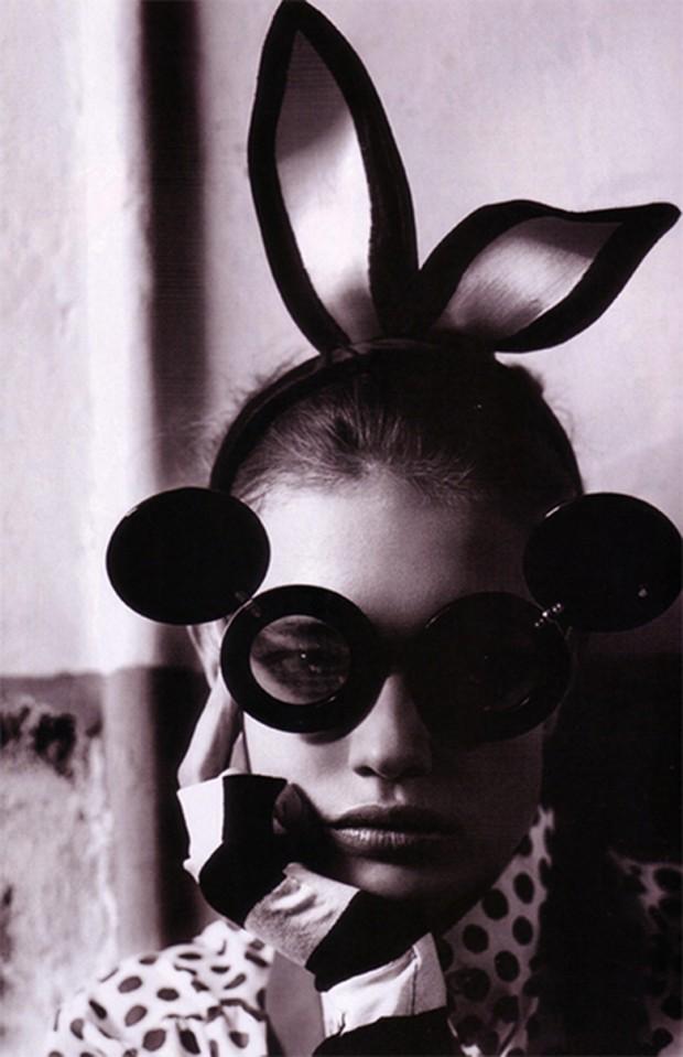 natalia-vodianova-shot-by-mario-testino-for-vogue-uk-may-2008