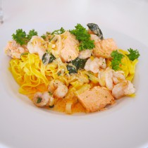 Fettuccine with salmon and Icelandic lobster