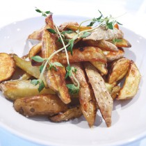 Crispy potato wedges with a touch of truffles