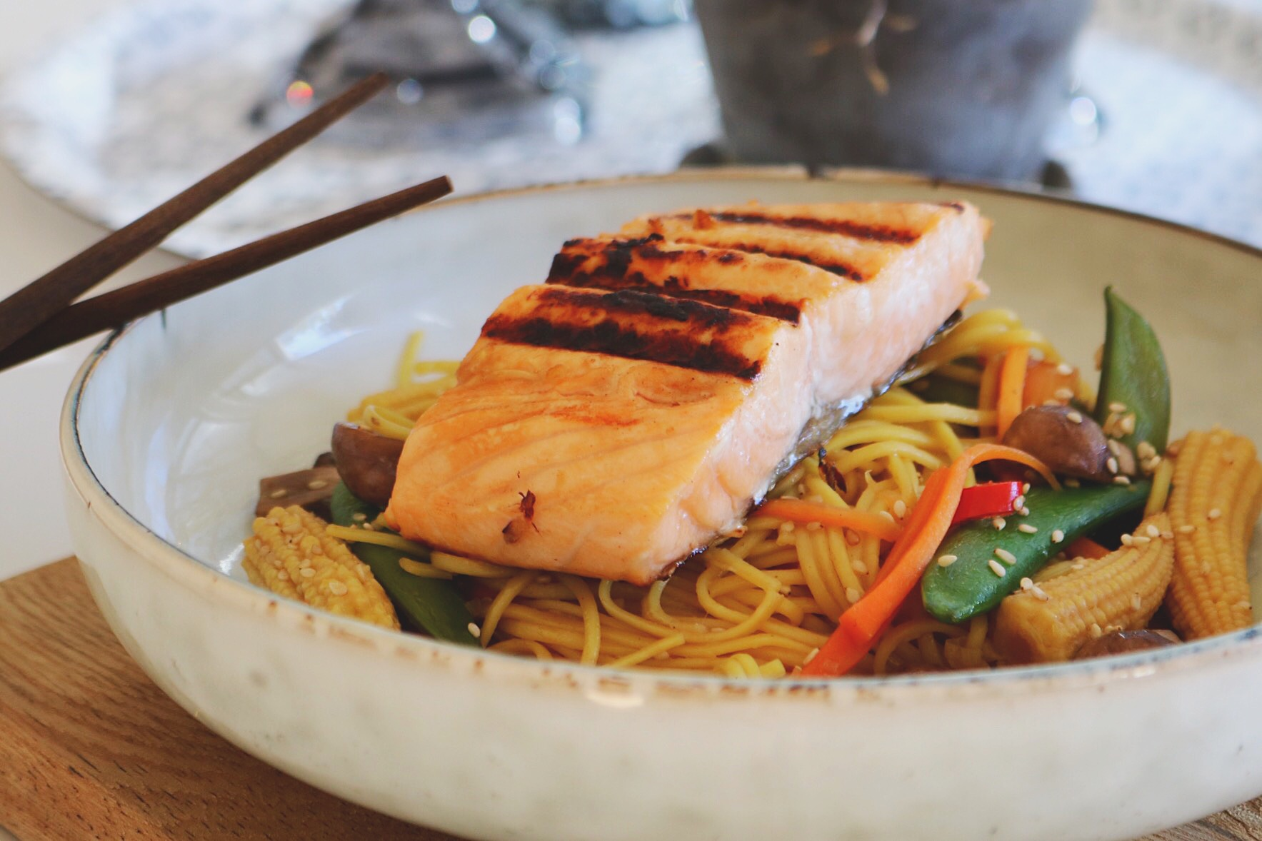 ASIAN SALMON AND NOODLE WOOK
