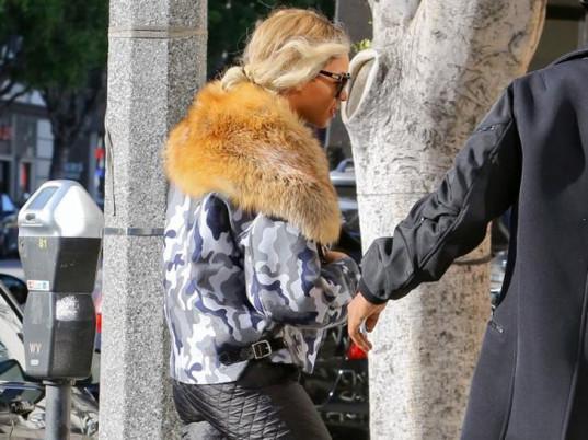 Beyonc 233 Goes Vegan In Fur Trendnet