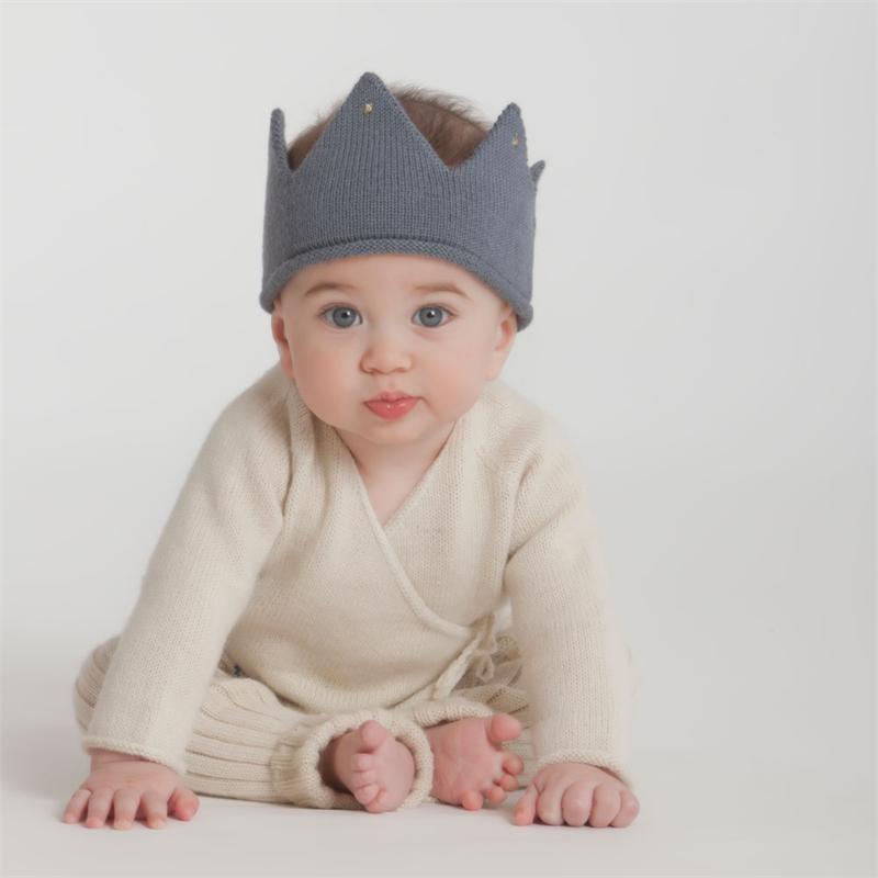 DIY: Kids fashion knitted crown