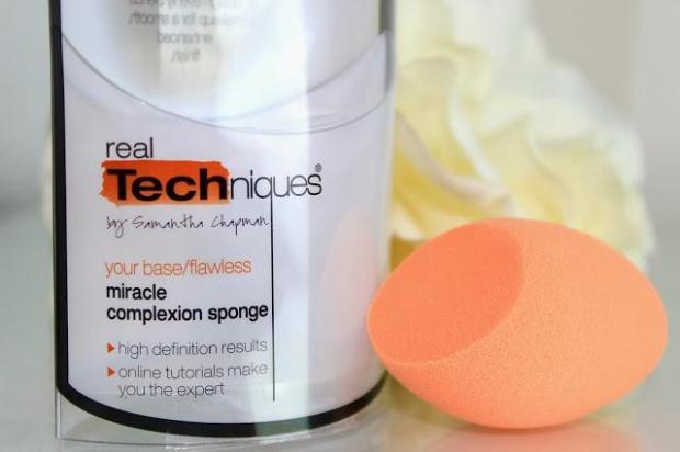 real-techniques-miracle-complexion-sponge-L-8aIAUx