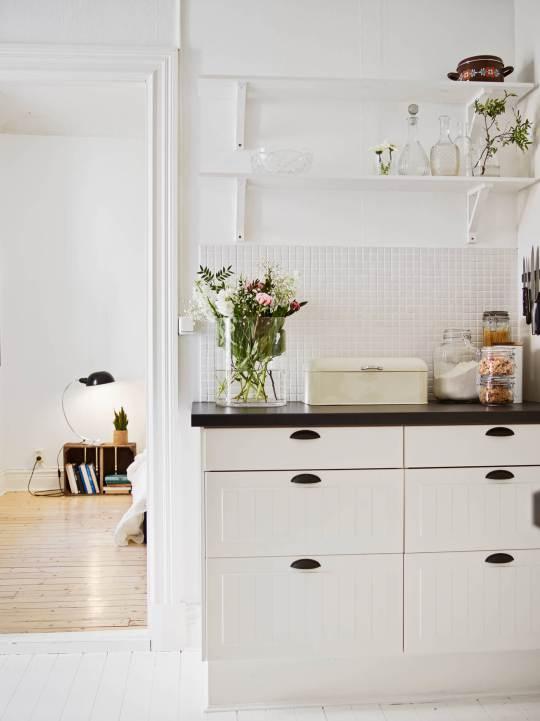 scandinavian_white_kitchen-cabinets