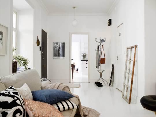 scandinavian_white_living-room_hallway