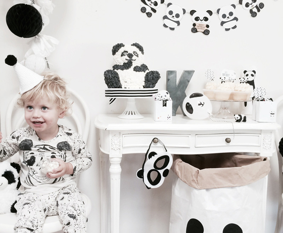 1_Sugarcoatedevents_panda_party_bear_birthday_kids_children_monochrome_little_gatherer