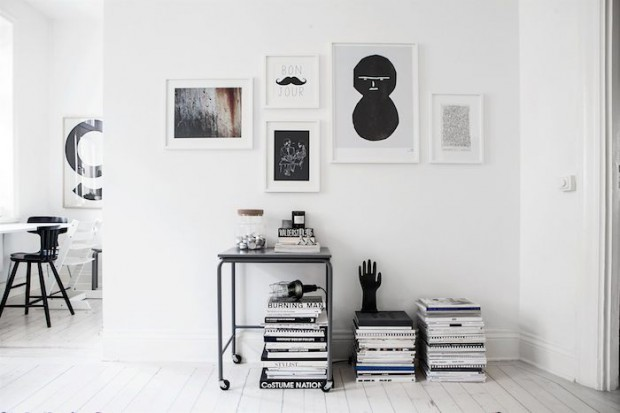Scandinavian-home-with-a-modern-monochrome-interior_1