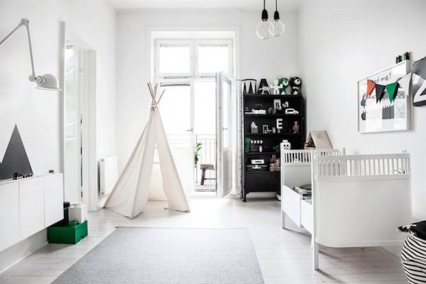 Scandinavian-home-with-a-modern-monochrome-interior_7