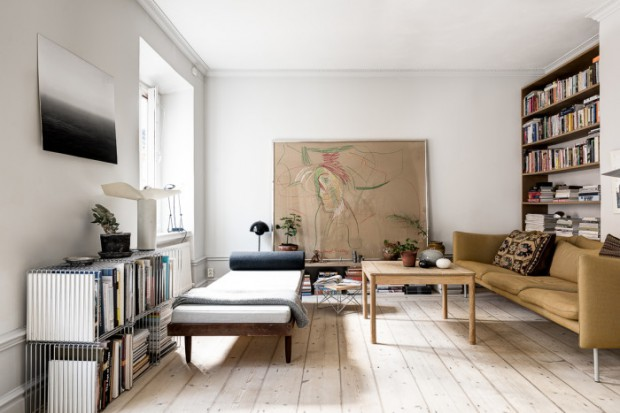 Livingroom-with-daybed-700x467