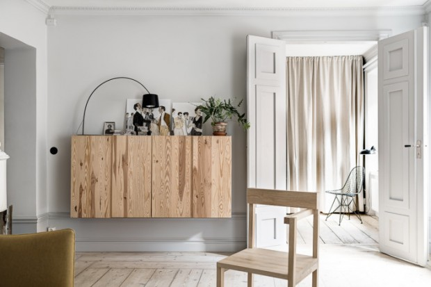 Wooden-wall-cabinets-700x467